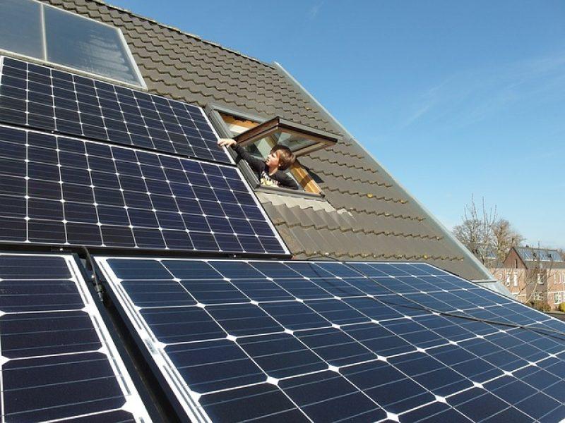 solar-panels-681979_640